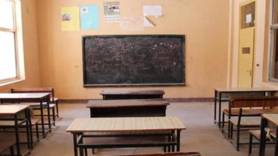 Talibã reabrirá escolas, 'mas apenas para meninos'