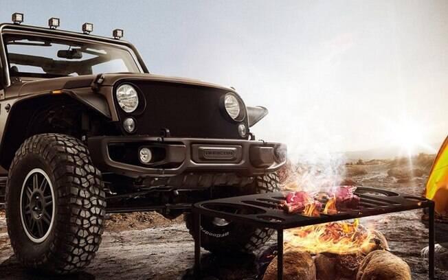 Jeep Wrangler com grade grelha, para fazer churrasco em qualquer lugar.