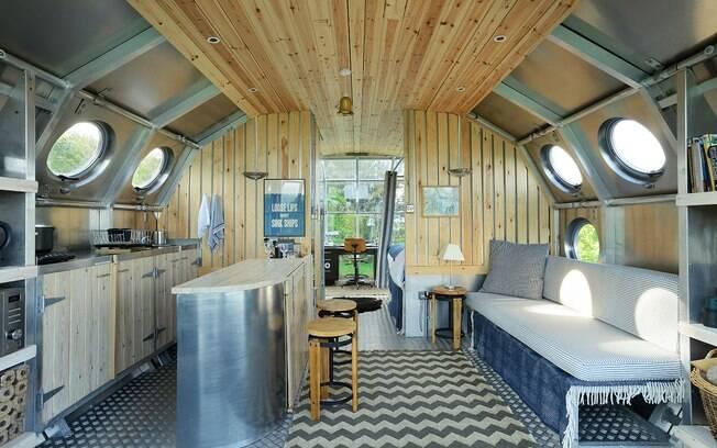 Por ser feita de materiais como alumínio e aço inoxidável, a mini casa é mais durável que estruturas de madeira