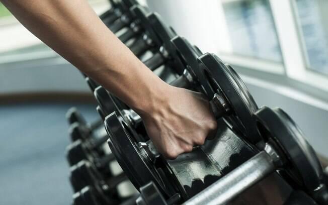 Musculação pesada ou exercícios aeróbicos pesados podem melhorar a enxaqueca
