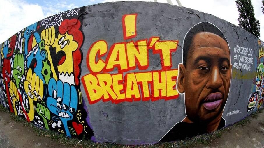 Muro feito pelo artista  'EME Freethinker' em apoio aos protestos sobre a morte de George Floyd