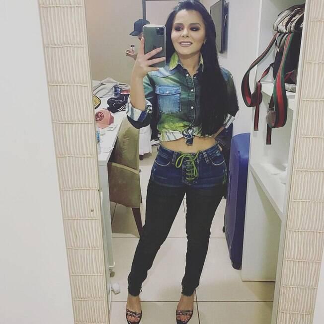 Maraisa mostra a boa forma no Instagram