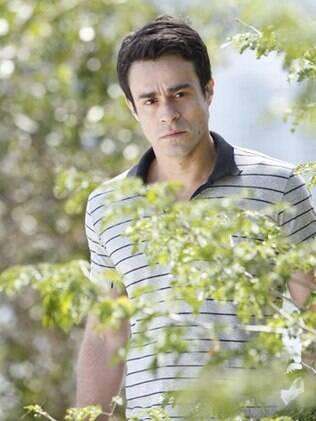 Fernando flagra a ex-noiva com o chef de cozinha
