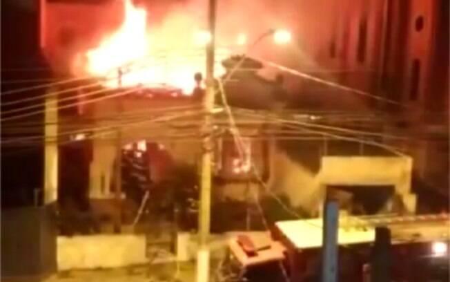 Incêndio em casa paroquial matou idoso em Campinas.