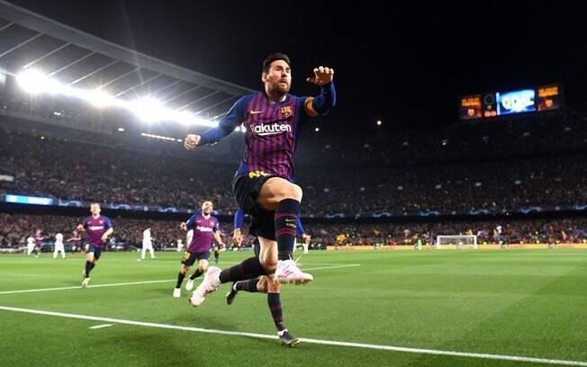 O confronto entre Liverpool e Barcelona, pela semifinal da Liga dos Campeões, agita a agenda do futebol desta terça