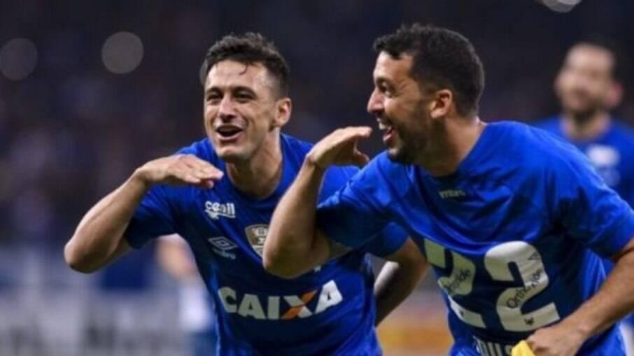 Robinho atuou pelo Cruzeiro entre 2016 e 2020