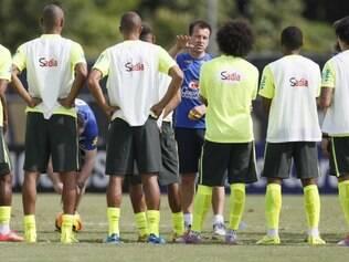 Dunga conversou bastante com o time e começou a passar sua filosofia para esta nova era na seleção