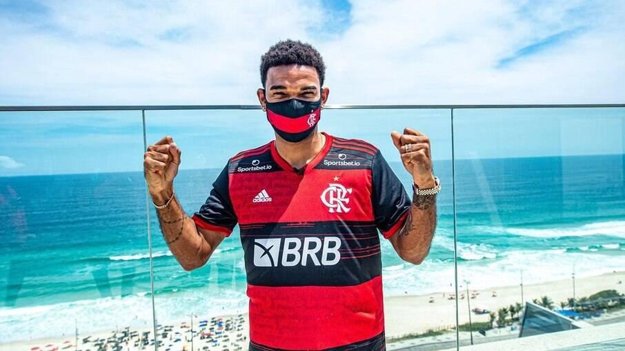 Bruno Viana, ex-Braga, chega para reforçar a defesa da equipe
