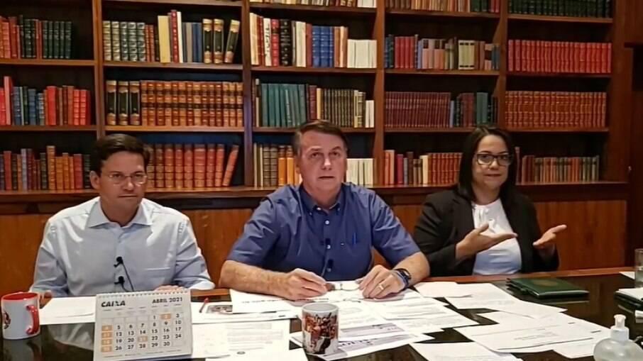 Bolsonaro acusou governadores e prefeitos de desviar verba do combate à pandemia