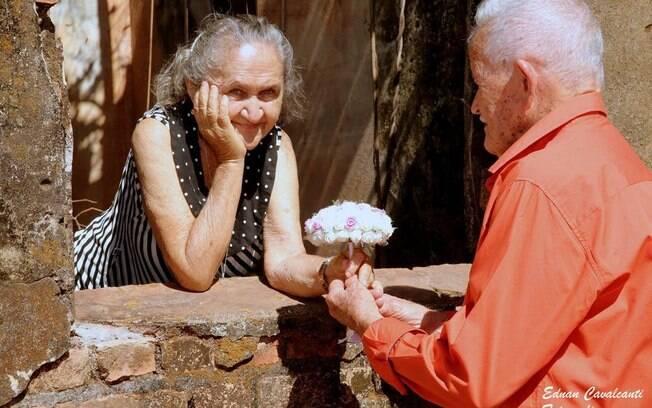 Joaquim e Inácia protagonizaram um lindo ensaio fotográfico para celebrar os 63 anos de união que eles completarão