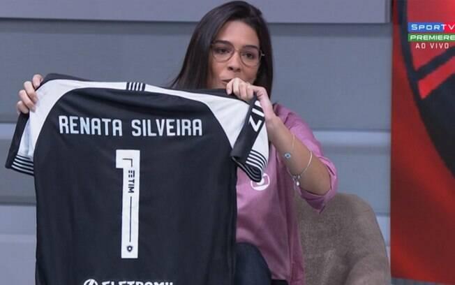 Torcedor do Botafogo xinga Renata Silveira