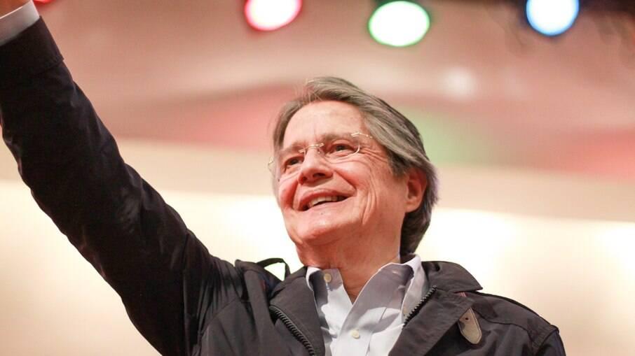Conselho eleitoral proclama Guillermo Lasso como presidente do Equador