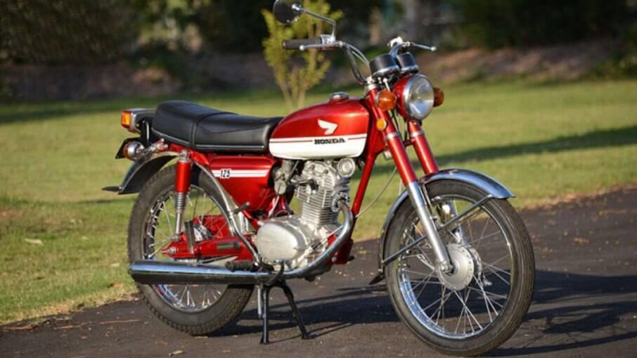 Honda CB 125S começou a ser exportada para os Estados Unidos em 1973 com motor de apenas um cilindro e 125 cc de cilindrada