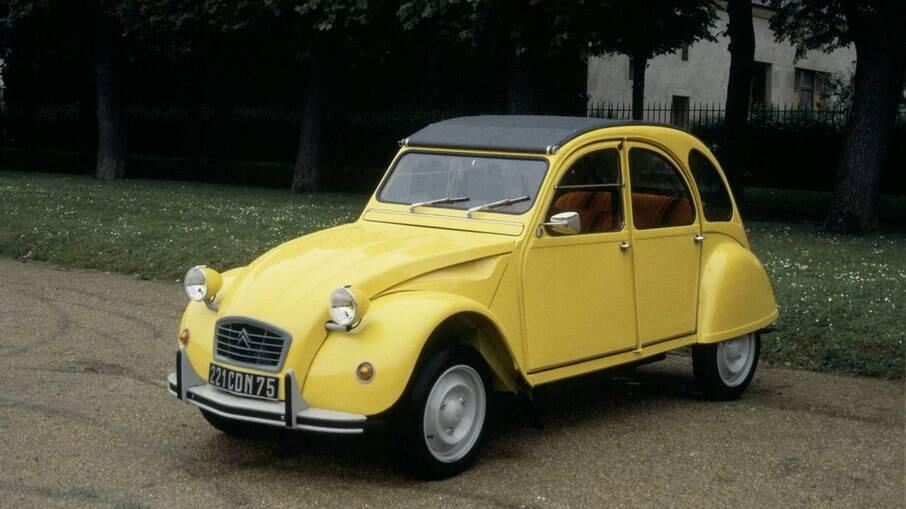 Citroën 2 CV: famoso modelo francês é um dos ícones da marca e também com um pequeno motor refrigerado a ar