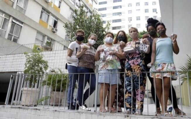 Uma mão lava a outra: vizinhos se unem em grupo de WhatsApp para se ajudar durante a pandemia