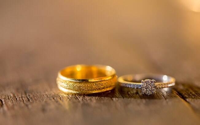 Noiva decidiu vender aliança para poder