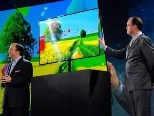 Novas TVs da Samsung aceitarão comandos de voz