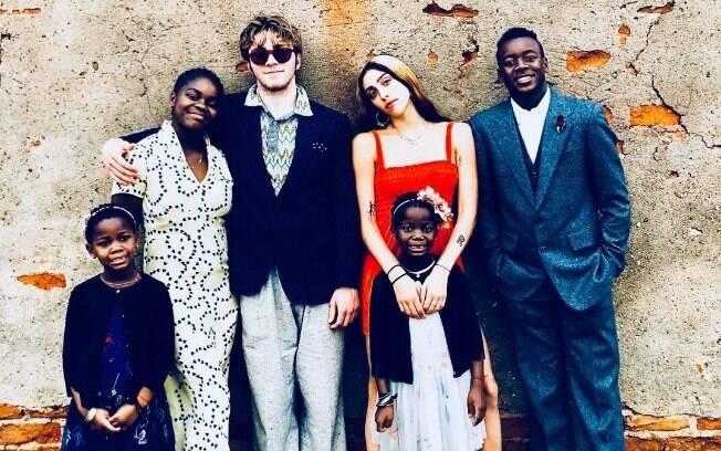 Os seis filhos de Madonna: as gêmeas Stella e Esther, Mercy James, Rocco Ritchie, Loudes Maria e David Banda
