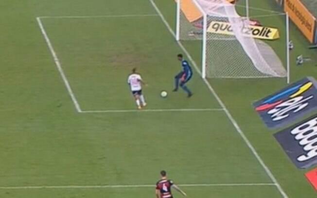Hugo falhou no gol da vitória do São Paulo contra o Flamengo