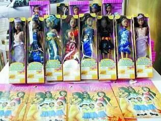 """Famosas. Por mês são vendidos entre 6.000 e 9.000 exemplares das """"Queens of Africa"""" e das """"Najia Princesses"""""""