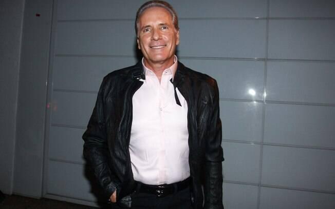 Roberto Justus, recém-separado de Ticiane Pinheiro, também foi um dos convidados de Otávio Mesquita