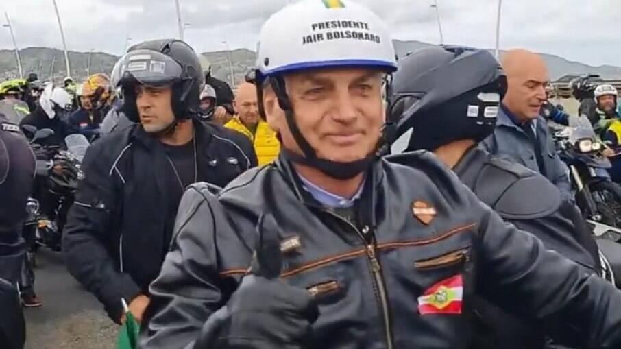 Bolsonaro ataca STF, urnas e Lula