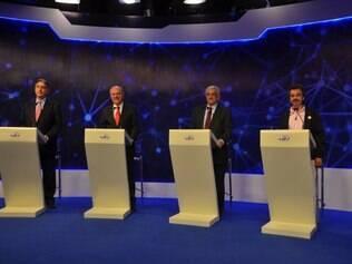 POLITICA - BELO HORIZONTE - MG. Debate entre os candidatos ao governo de Minas Gerais na TV Band Minas em Belo Horizonte MG. Douglas Magno / O Tempo