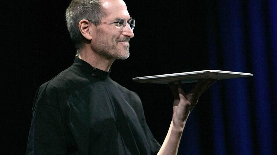 Steve Jobs costumava usar gola alta