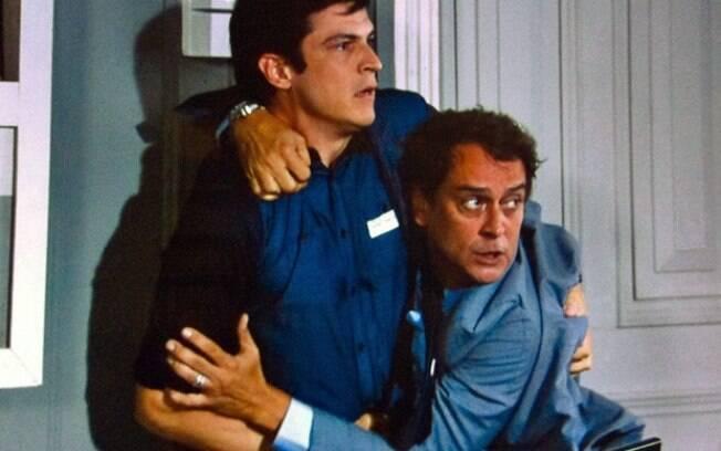Felix (Mateus Solano) e Eron (Marcelo Antony) saem no tapa