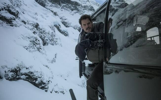 O ator e produtor de cinema Tom Cruise elogiou a atuação de Henry Cavill para o filme