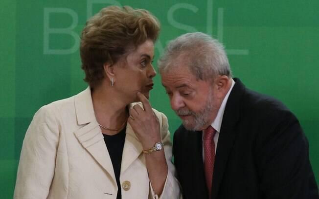 Lula afirmou nesta segunda (25) que o processo contra Dilma está sendo conduzido por uma
