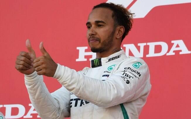 Lewis Hamilton venceu o GP do Japão de Fórmula 1 e disparou na liderança