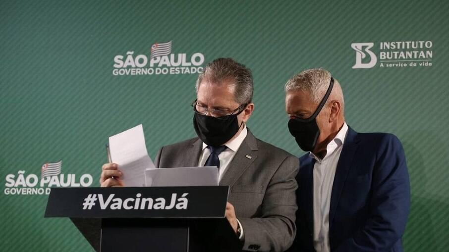 Jean Gorinchteyn, secretário de Saúde e o João Gabbardo, coordenador-executivo do Centro de Contingência da Covid-19