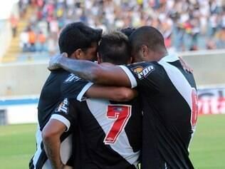 Em Macaé, Vasco vence a Cabofriense por 2 a 0