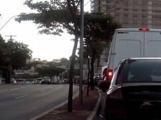Trânsito está complicado no sentido São Paulo da Amazonas
