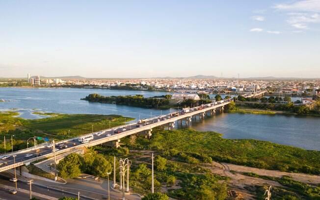 Petrolina, no interior do Estado, faz divisa com a Bahia