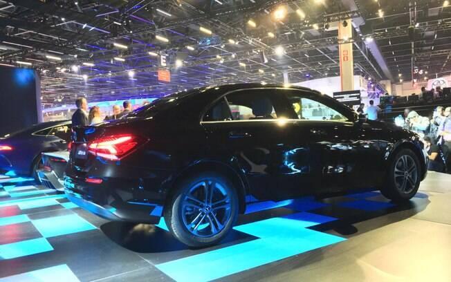 Mercedes-Benz Classe A chega em nova variante sedã, que concorrerá com sedãs médios topo de linha