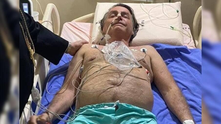 Presidente Jair Bolsonaro no hospital das Forças Armadas, após internação por obstrução intestinal