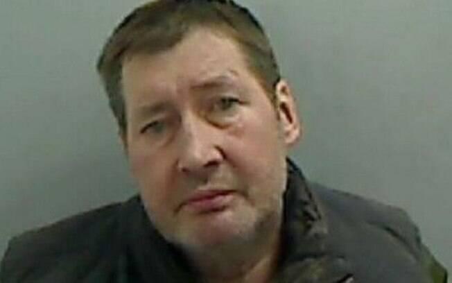 Pedófilo escondia sua vítima em um buraco atrás de sua geladeira; ele foi condenado por ofensa sexual grave