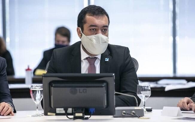 Cláudio Castro está sendo acusado de estar envolvido em esquema de propina