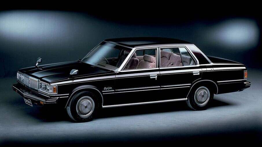 Toyota Crown de 1983 foi o primeiro carro que recebeu o sistema de controle de estabilidade no mundo