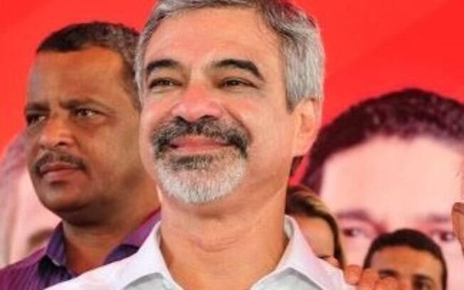 Alvo de inquérito, Humberto Costa é senador pelo PT de Pernambuco e foi ministro da Saúde durante o governo Lula. Foto: Divulgação