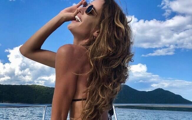 Modelo brasileira faz sucesso na web