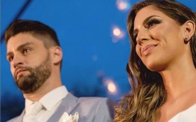 Munhoz e a esposa, Rhayssa anunciaram a separação
