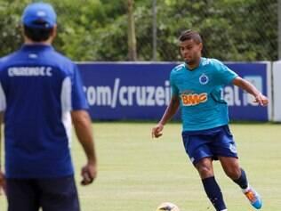 Alisson deixou a sua marca em vitória tranquila do Cruzeiro sobre reservas do América