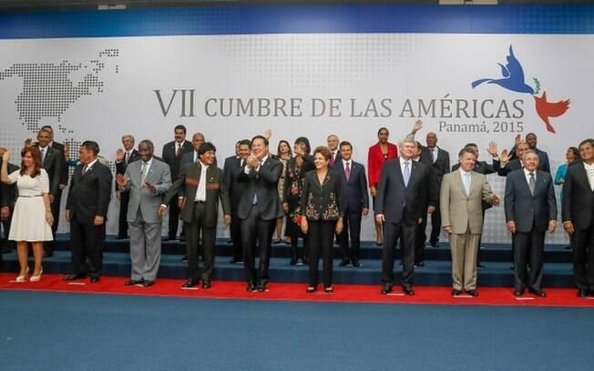 Chefes de estado em fotografia oficial da VII Cúpula das Américas