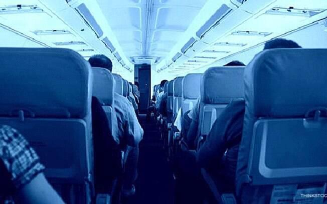 A partir do dia 28, passageiros que desembarcarem nos EUA vindo do Reino Unido precisarão apresentar exame