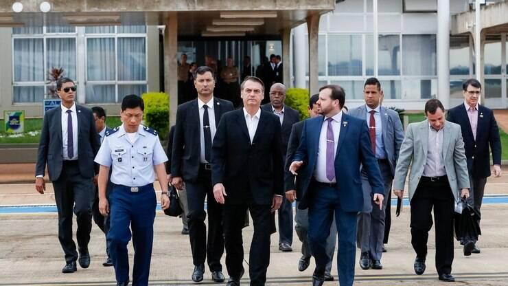 b9964867b Jair Bolsonaro desembarca nos EUA para primeira reunião com Trump -  Política - iG
