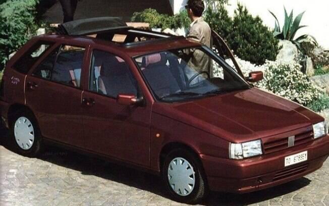 Fiat Tipo vinha com teto solar panorâmico, mas de lona, que era mais simples e confiável que os de lâminas do Stilo