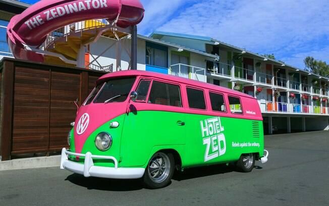 Hotel ZED, Victoria, Canadá, é uma das hospedagens que são atração na região por ter um estilo retrô-chique colorido